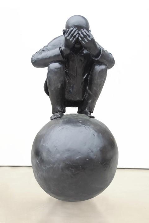 Wang-Shugang-Man-with-Ball-5